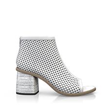 Sandals 8
